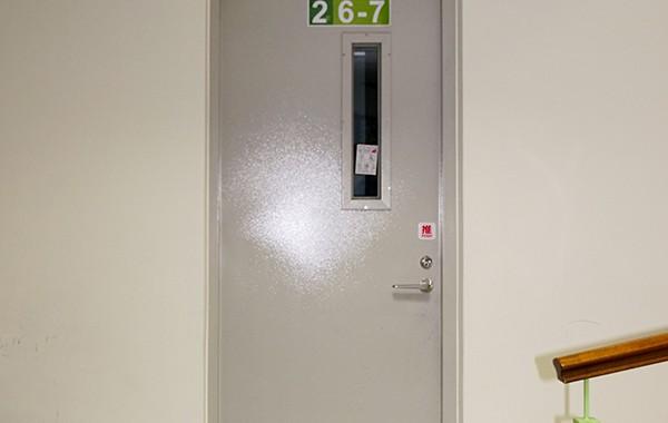 (單扇) 180度 推開防火鋼板門-附小視窗