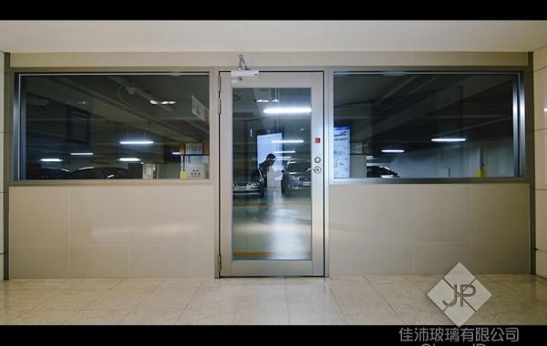 (1-1) 明耀百貨 (單扇) 90度推開防火玻璃門+固定窗 ps.附遮煙證明