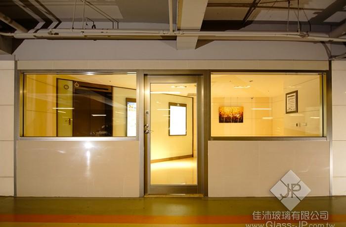 (1-2) 明耀百貨 (單扇) 90度推開防火玻璃門+固定窗 ps.附遮煙證明