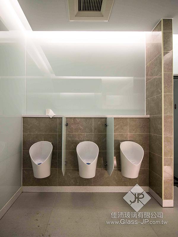 男廁 – 5+5 膠合玻璃 (瓷白膜)