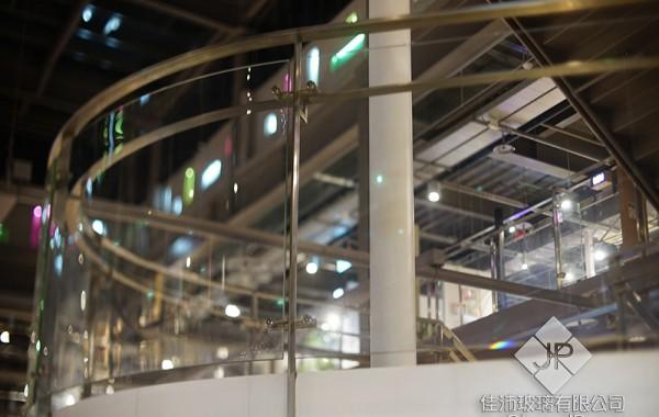 (樓梯) 扶手+彎曲膠合玻璃