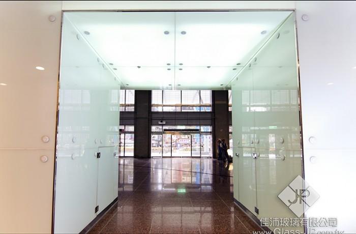 (走廊) 5+5 膠合玻璃- 瓷白膜