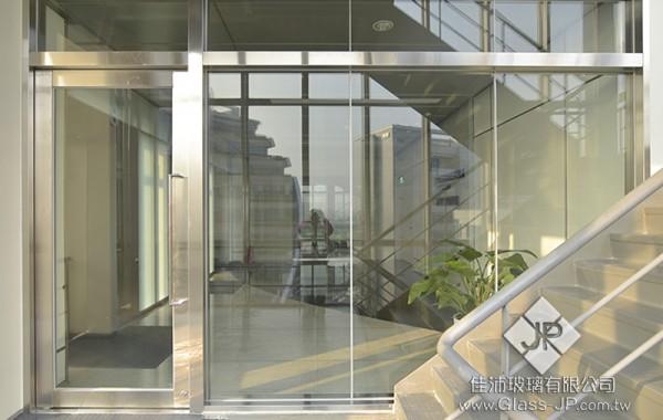 防火玻璃門 + 防火固定窗