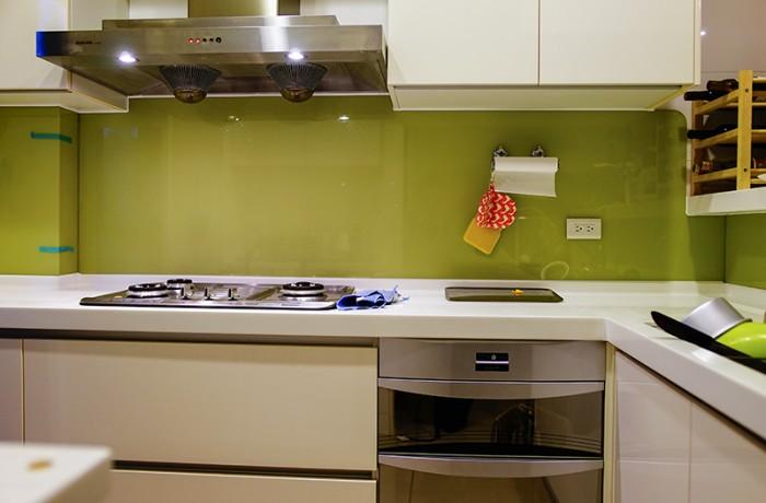 櫥房牆面 烤漆玻璃(綠)
