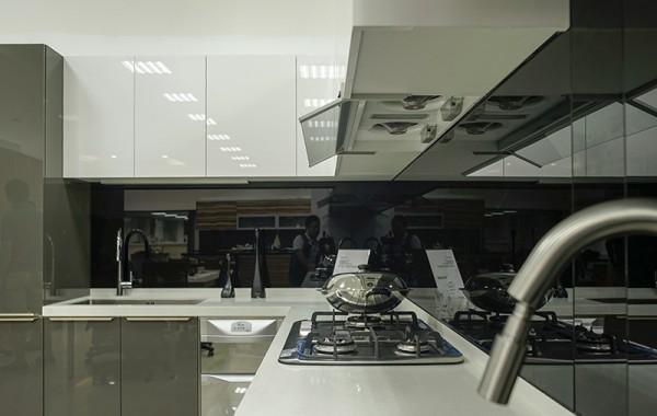 系統櫥櫃 烤漆玻璃